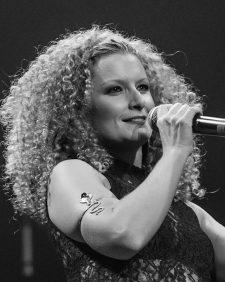 marie-trezanini-spectacle-monde-2020-450